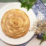 白桃の薔薇タルト